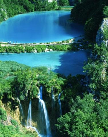 湖と滝 プリトヴィツェ 世界遺産.