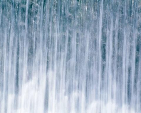 水の流れ 柊野