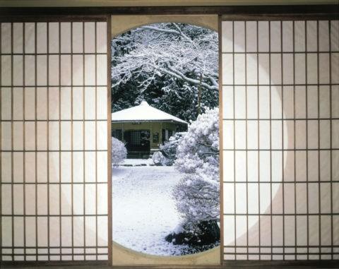 丸窓と雪 C.G.合成