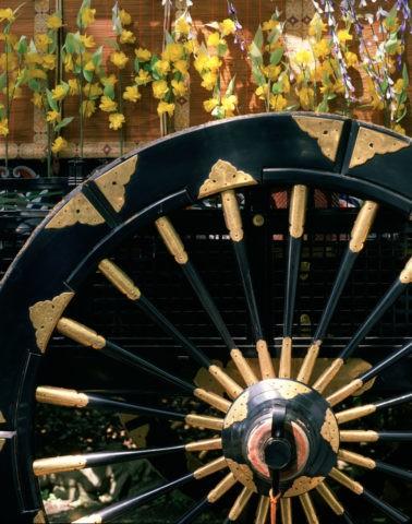 京都葵祭の牛車の車輪
