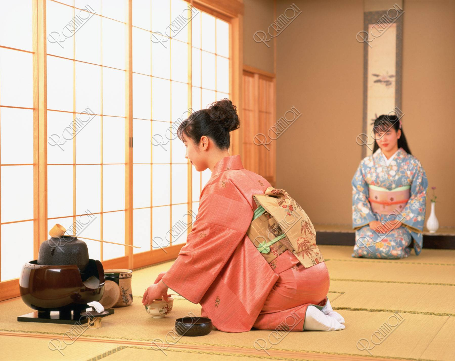 茶道の女性(二人)