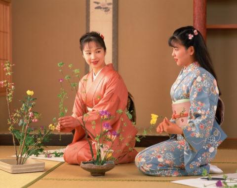 華道の女性(二人)