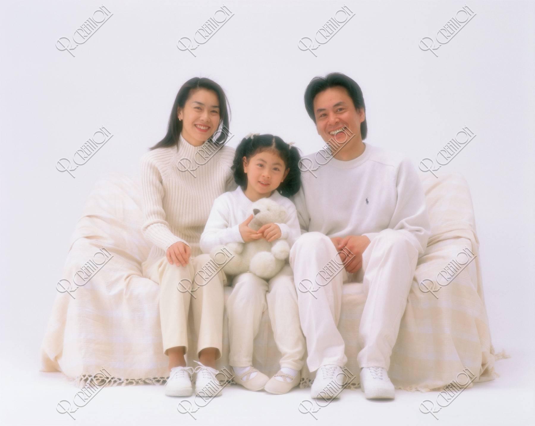 S 白い服のファミリー