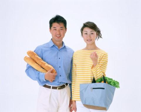 買い物の夫婦