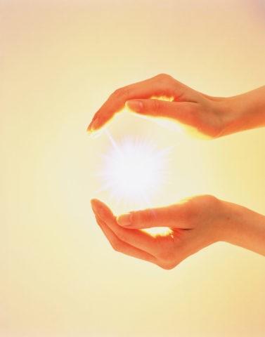 光と手(合成)