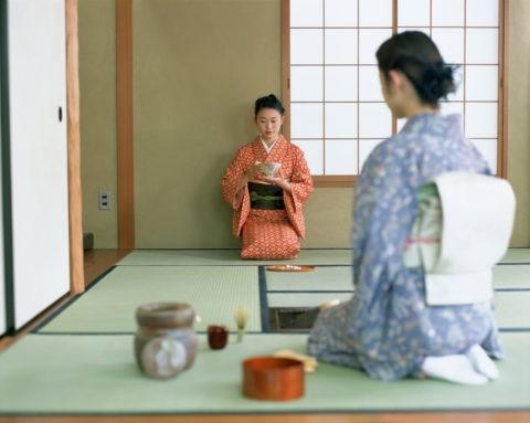 茶室の女性2人