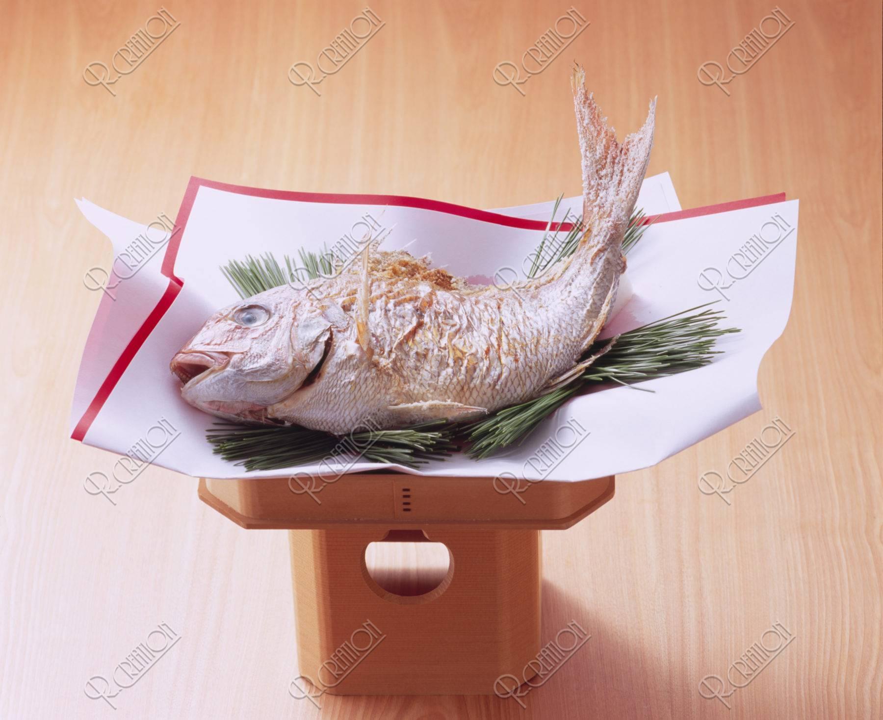 鯛の塩焼き(にらみだい)