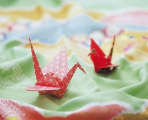着物と折り鶴