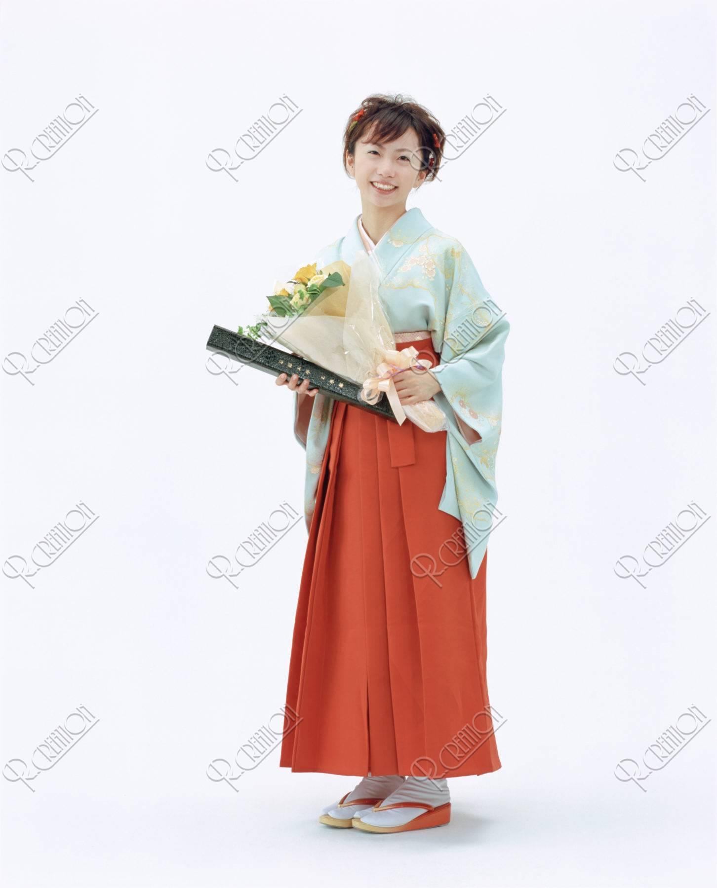 卒業式の女性