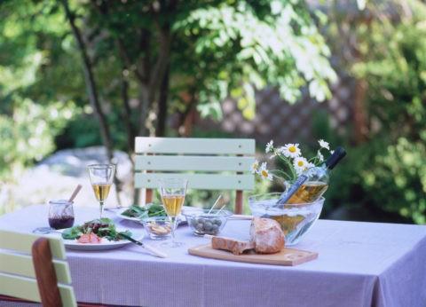 ガーデンランチのテーブル