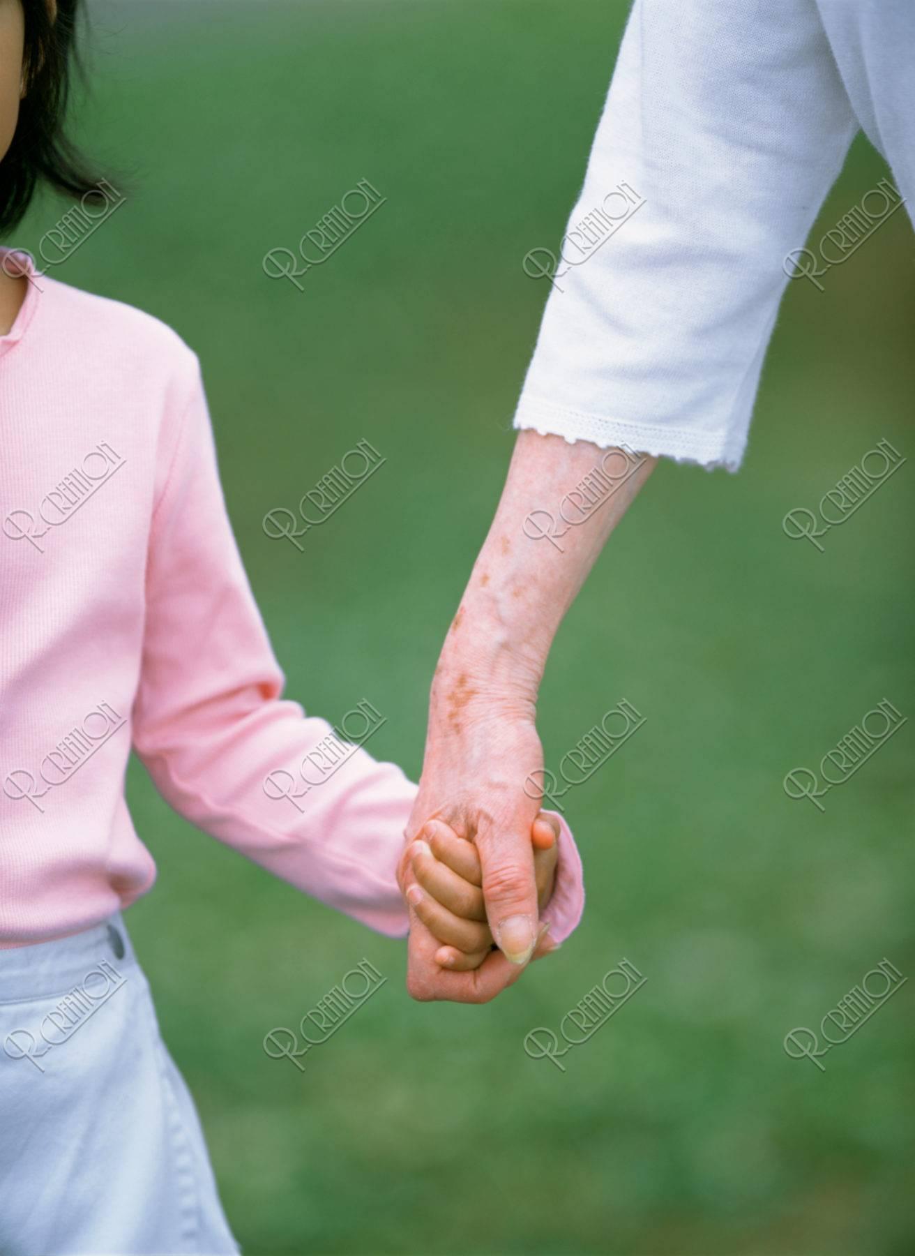 祖母と孫の手