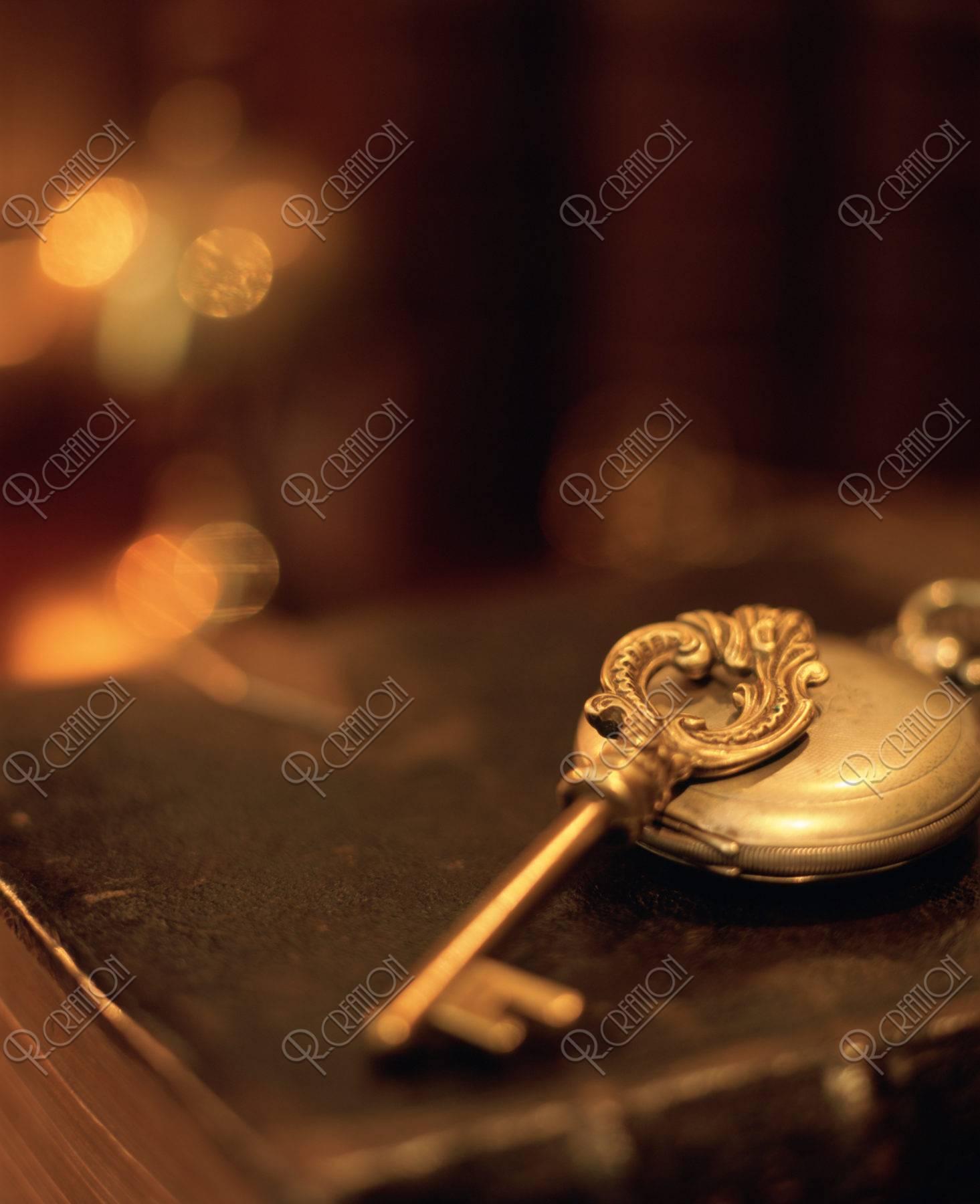 鍵と懐中時計