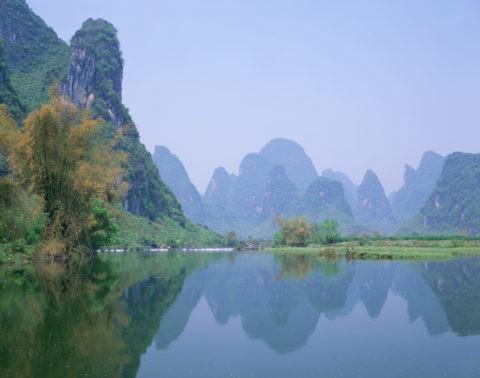 漓江と山並み 陽朔