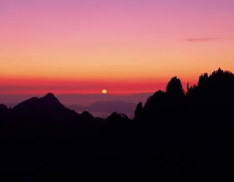 黄山 清涼台からの朝日 世界遺産