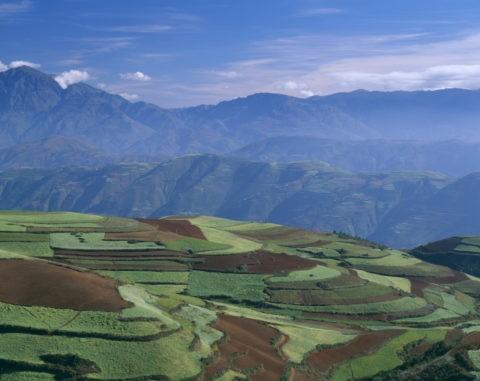 東川 紅土高原と山並