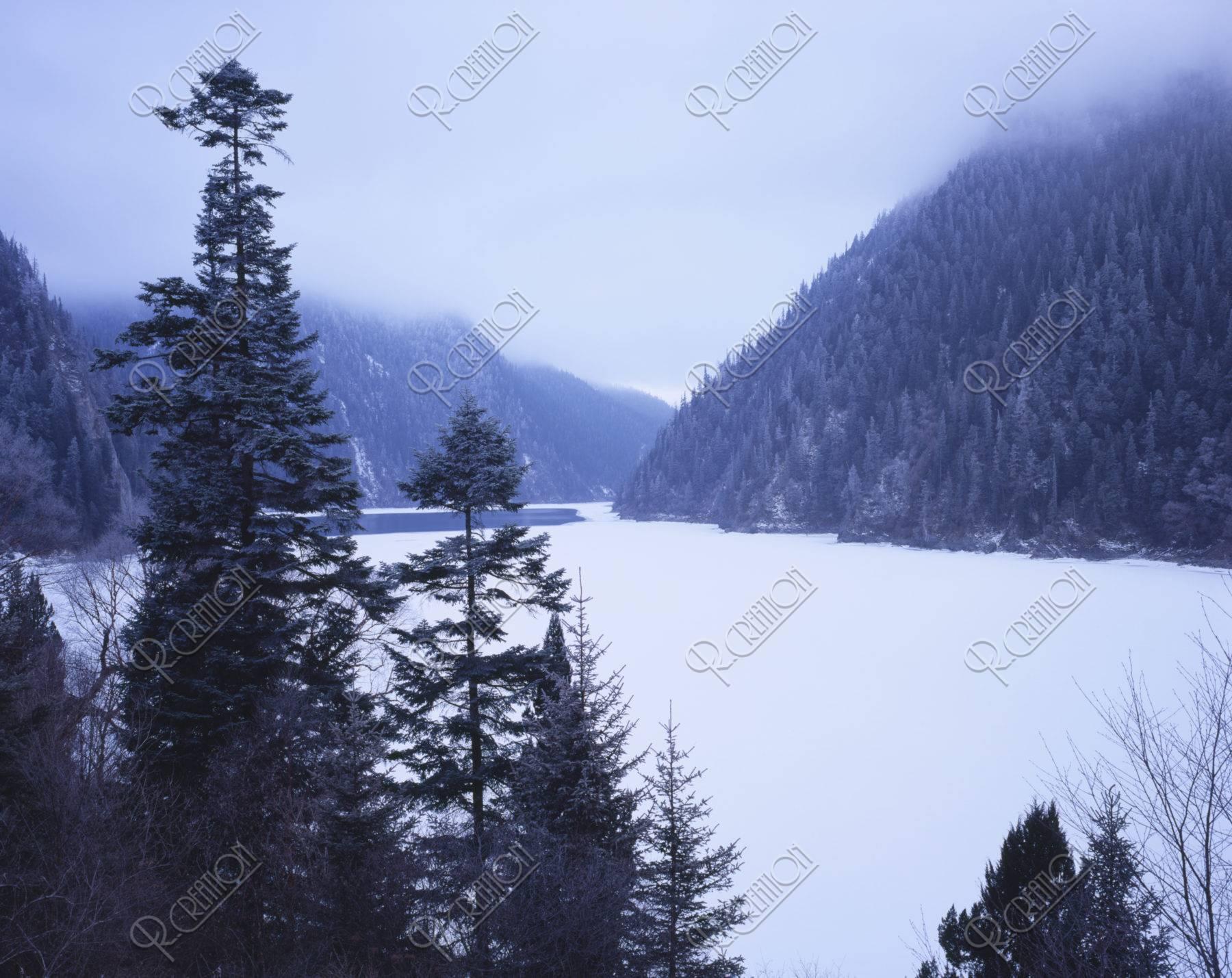 九寨溝長海雪景色 世界遺産