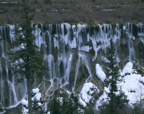 九寨溝諾日朗瀑布と氷塊 世界遺産