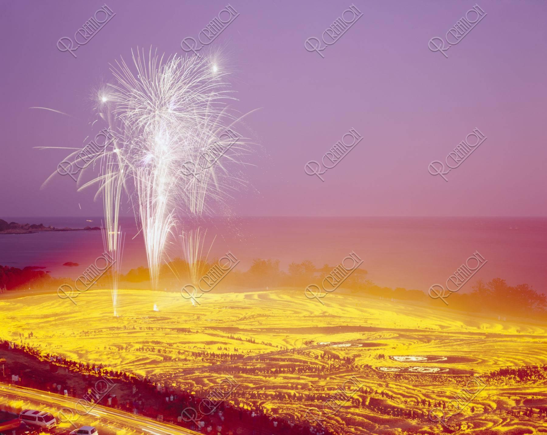 花火と芝焼き 潮岬