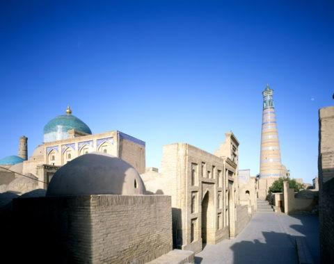 パフラヴァン・マフムド廟とミナレット 世界遺産