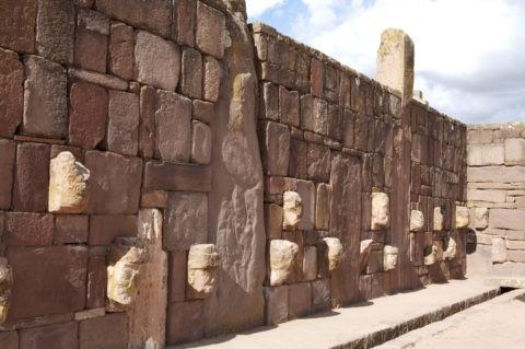 ティワナク遺跡 半地下神殿 w
