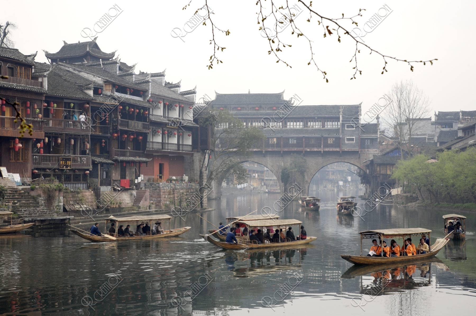 鳳凰古城 虹橋と観光船