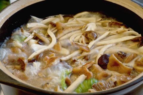 名物料理 きのこ鍋