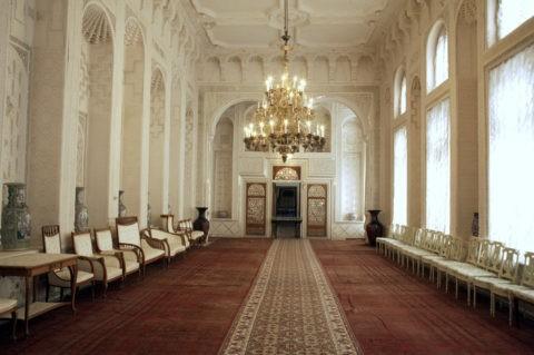 スィトライ・モヒ・ホサ宮殿 白い部屋 W