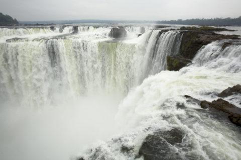 乾期のイグアス滝 悪魔ののど笛