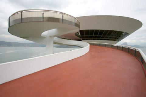 オスカー・ニーマイヤー設計の現代美術館