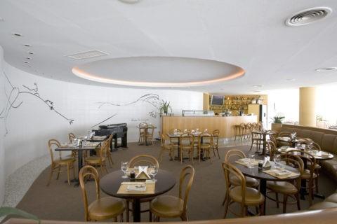 オスカー・ニエマイエル設計のオリンポレストラン