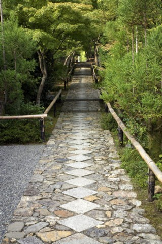石畳の参道 光悦寺