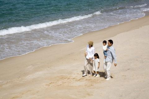 浜辺のファミリー