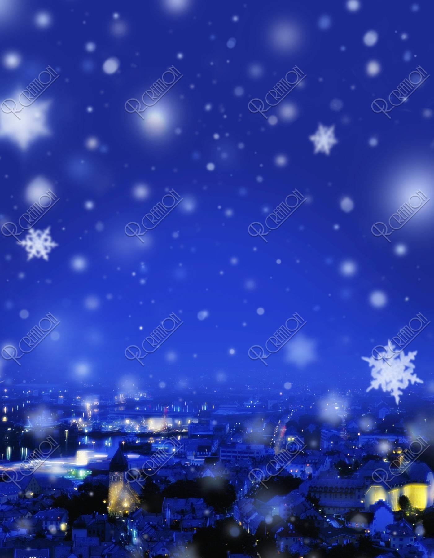クリスマス 街並み メルヘン 夜景 冬 雪 合成