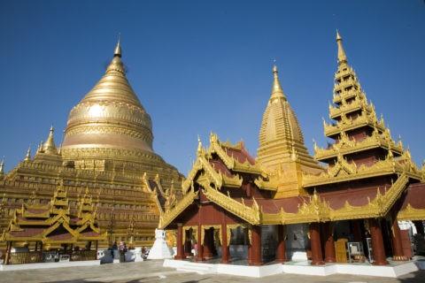 シュエジーゴンパゴダ 仏舎利塔 仏教 黄金色 金箔