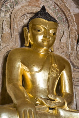 ティーロミンロー寺院 仏像 黄金色 金箔 仏教