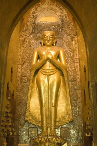 アーナンダー寺院 仏像 黄金色 金箔 仏教