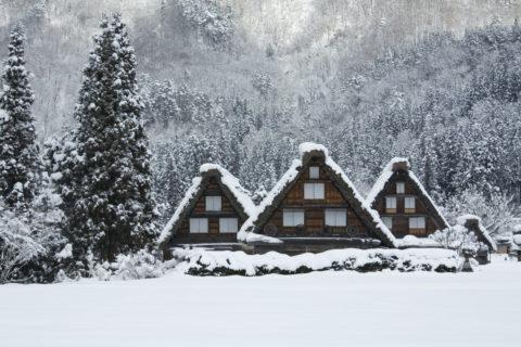 白川郷 雪 冬 伝統的建造物 茅葺き民家 世界遺産