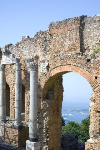 ギリシャ劇場とイオニア海 W