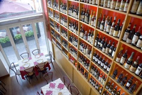 ワインとテーブル