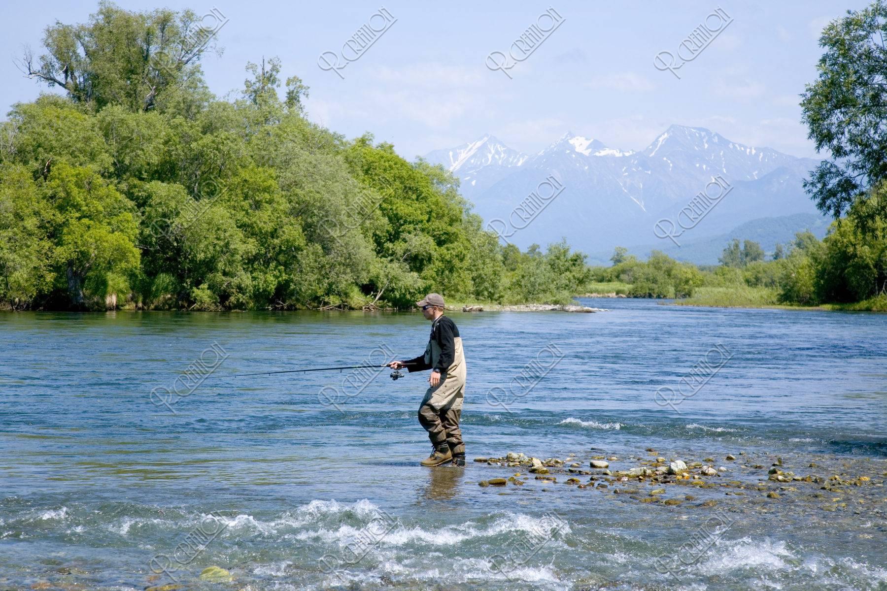ビストラヤ川でのルアーフィッシング