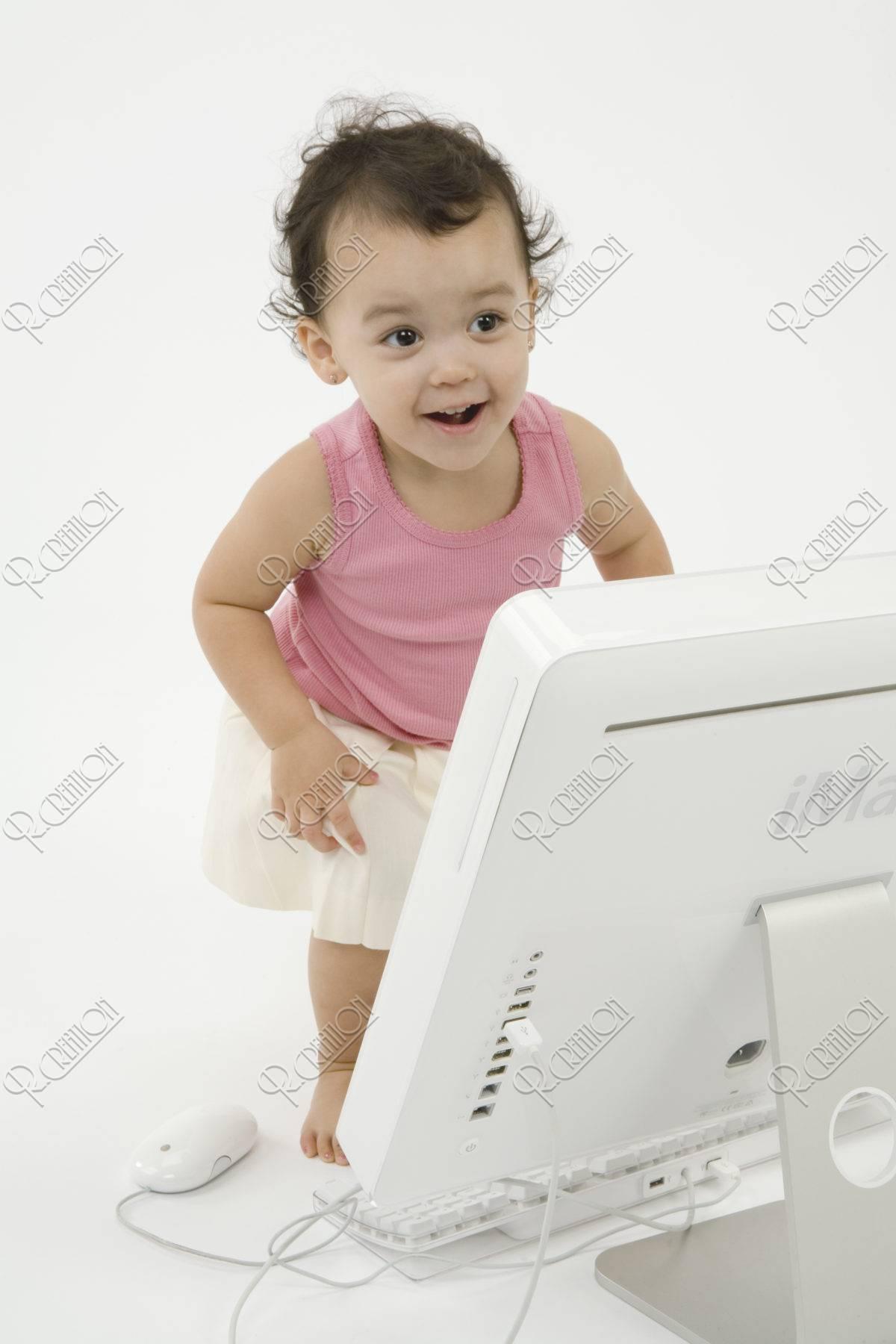 パソコンと女の子