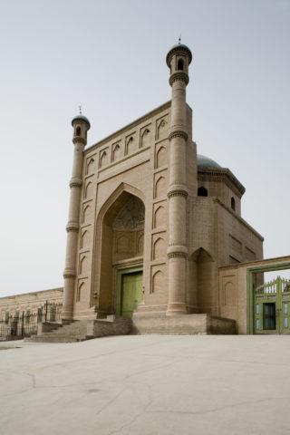 クチャ大寺正門
