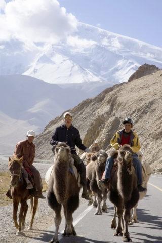 ラクダに乗るキリギス族