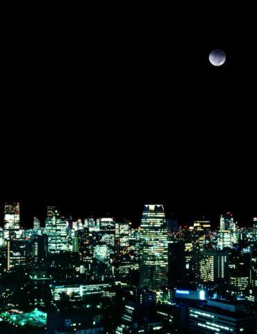 都心夜景と月 CG