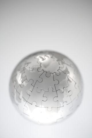 ジグソーパズルの地球儀
