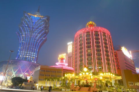 ホテルリスボアとグランドリスボア 夜景