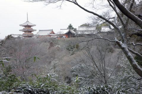 雪の清水寺 W