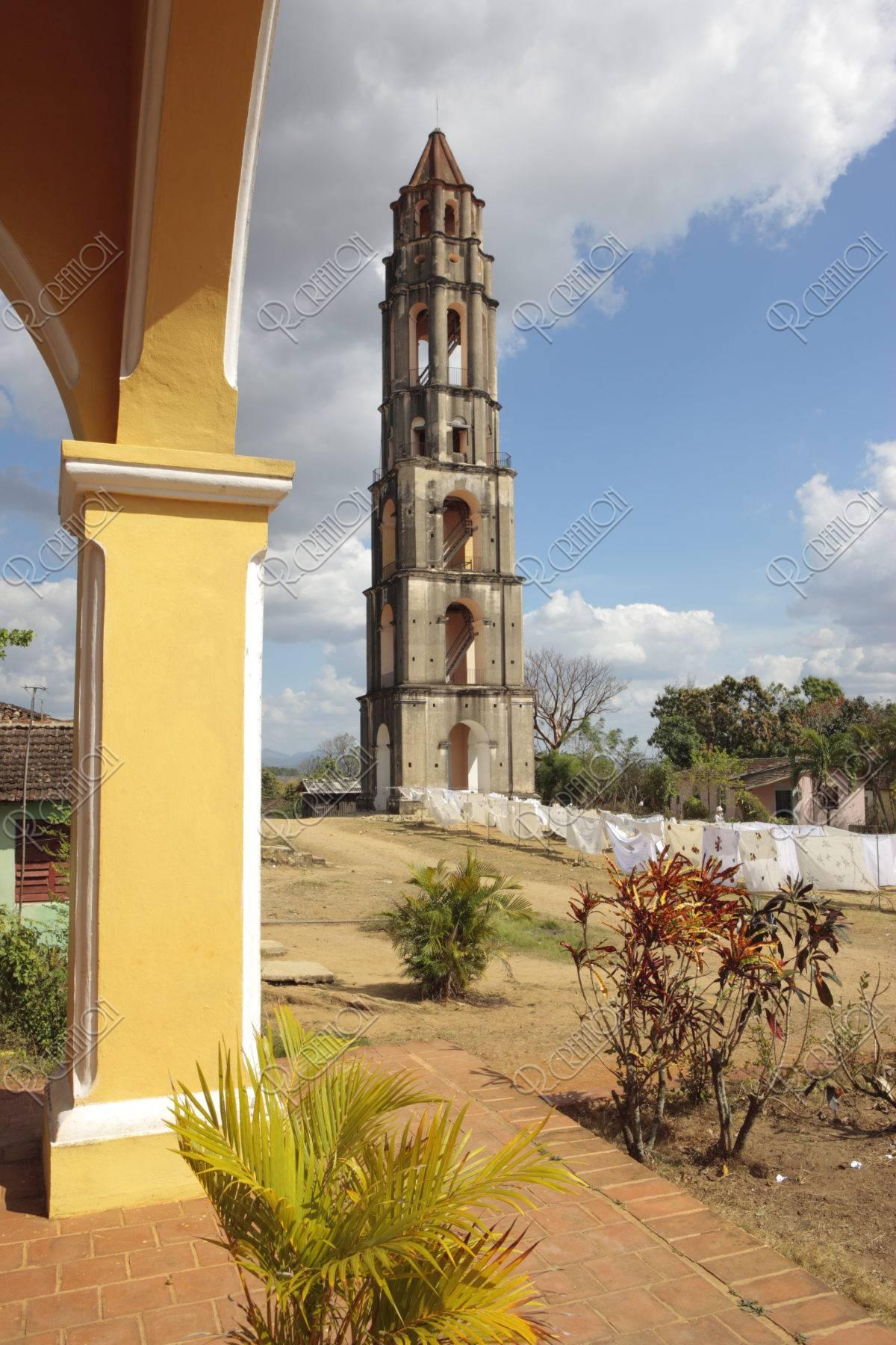 マナカ・イスナガの塔 世界遺産