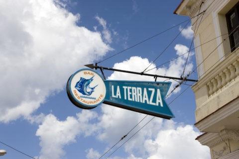 ラ・テラサ 看板