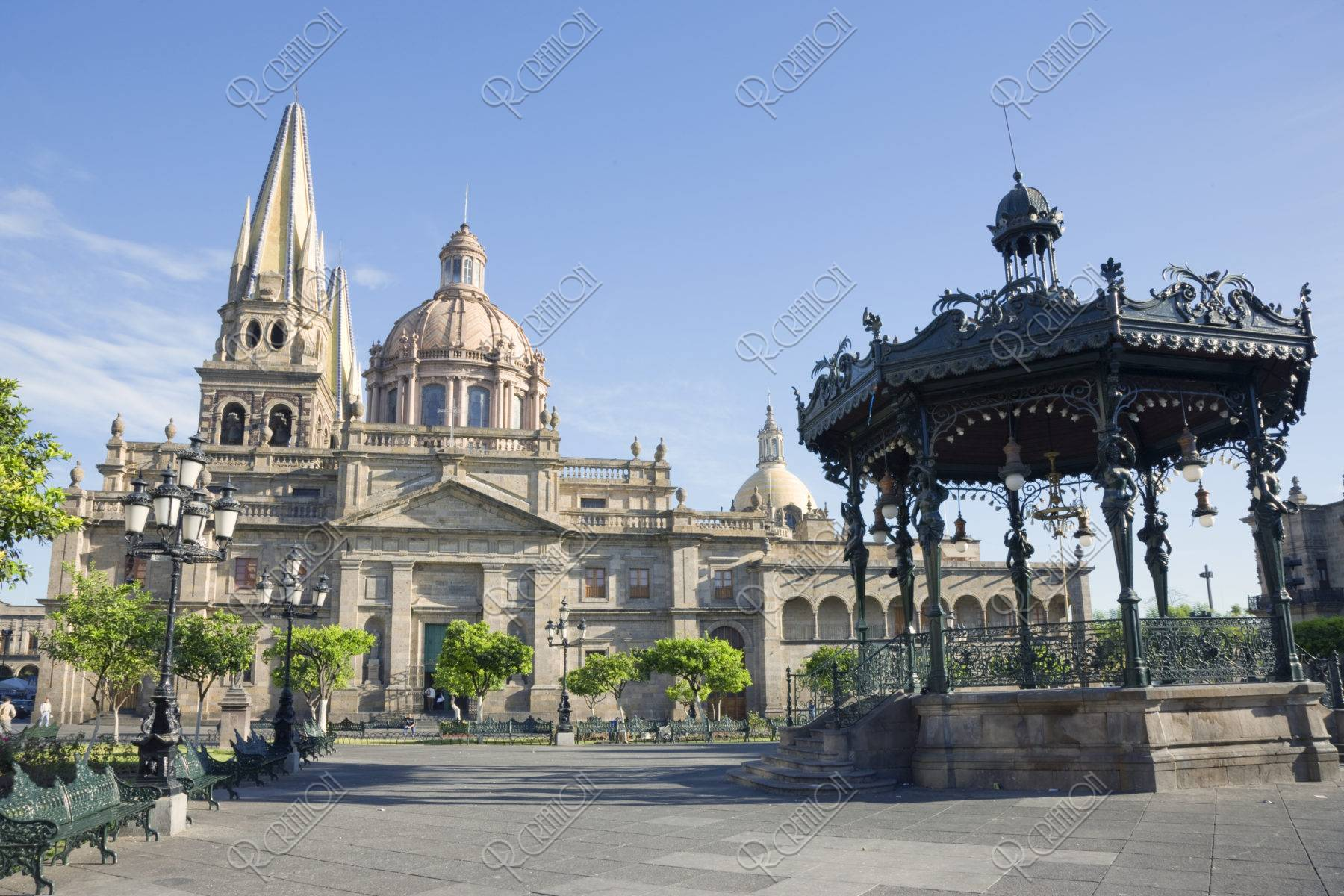 カテドラルとアルマス広場 世界遺産